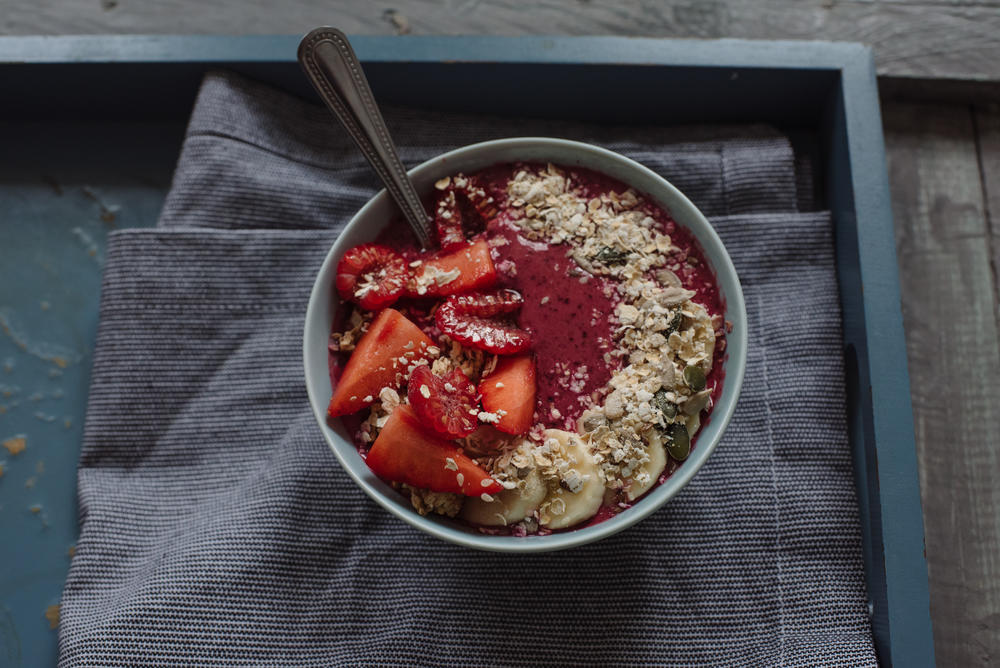 Strawberry, Banana and Oat Smoothie Bowl